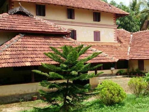 2 8 Acres Of Land With Big Traditional Kerala Style House