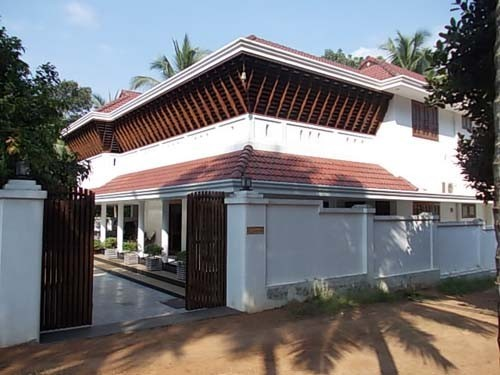 7000 Sq Ft Nalukettu Model Traditional Bungalow For Sale