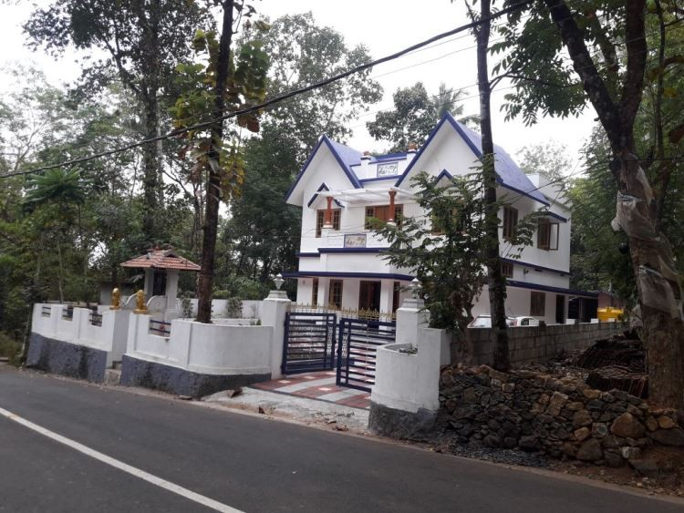 Well Maintained House For Sale At Koothattukulam Ernakulam Kerala Real Estate