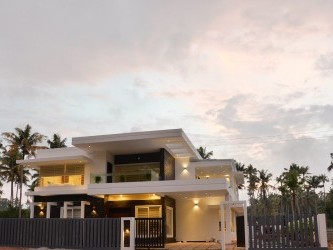 Fully Furnished Ready to Occupy House for sale at Irinjalakuda,Thrissur.