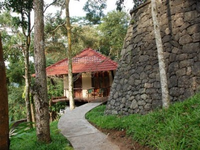 RESORT FOR SALE/ LEASE AT THEKKADY, KERALA.