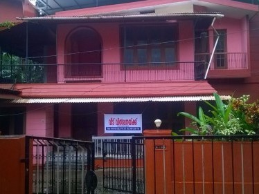 8.5 Cent Land with 5 BHK House for sale at Payyambalam,Kannur.