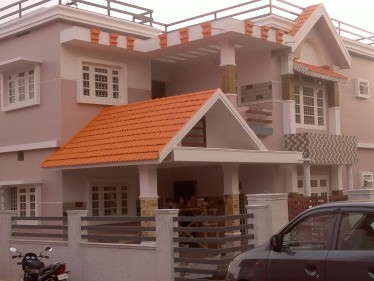 Ready to occupy 2000 SQFT Residence in Pathiripala