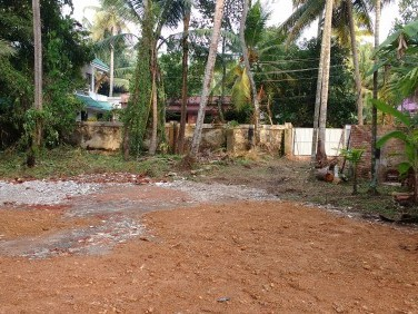 10.250 cent - posh residential area in east side of Puthuvypu Junction Vypin