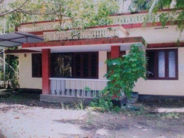 15 cents of  Residential Land with 3BHK house for urgent sale, Near Njarakkal.