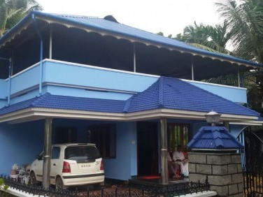 7 cent land with beautiful 3 bedroom house and pure water well