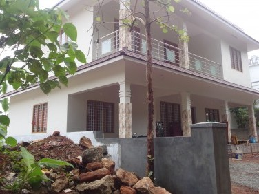 2300 Sqft 3 BHK House on 5 cents of land for sale at Thodupuzha,Idukki.