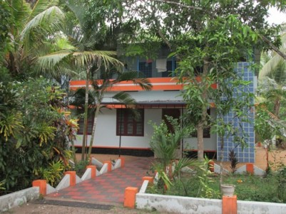 55 Cents of Land with 2200 Sqft 5 BHK House for sale at Vaikom,Kottayam.