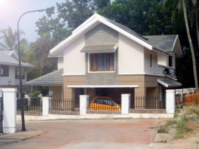 Green Acres - 4166 Sq.ft 3 BHK Villa for sale at Mathukkot,Kannur.