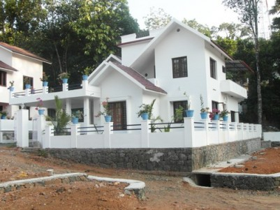 2400 Sq.ft 4 BHK Posh House on 9.5 Cent land for sale at Athirampuzha,Ettumanoor,Kottayam.