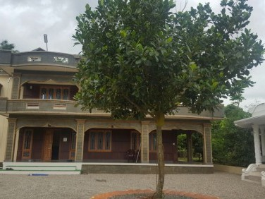 4000 sq.ft Manison Villa for sale at Anchal, Kollam