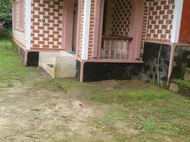 40 Cents of Land with 900 Sq.Feet House for Sale at Thamarassery,Kozhikode.