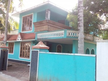 2500 Sq ft House on 8 Cents of land for sale at panaikulam Aluva