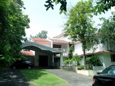 Posh Bungalow for sale in the heart of Ernakulam City