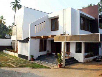 Contemporary Designed House for sale at Ottapalam,Palakkad.
