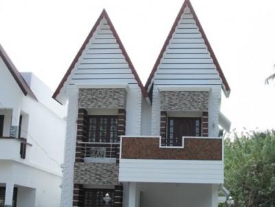 Villa for sale near Irinjalakuda Railway Station,Kallettumkara,Thrissur.