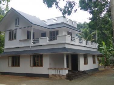 1800 Sq ft House on 15 Cents of land for sale at chelakulam kizhakambalam