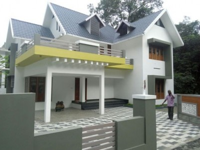 2700  Sqft 4 BHK New Posh House on 9 cents of land for sale at Ettumanoor,Kottayam.