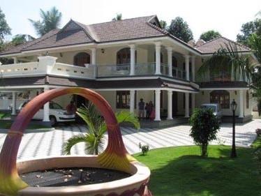 7800 Sq.ft Posh House for sale at Thellakom, Kottayam.