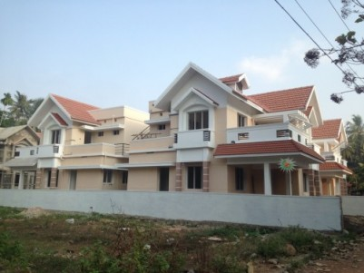 1700 Sq.ft 3 BHK Gated Colony Villa on 4 cent land for sale at Nettoor,Ernakulam.
