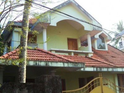 2000 Sqft  4 BHK House on 7 Cents of land for sale at Nadakkavu,Kozhikode.