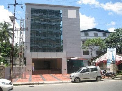 20000 Sqft Commercial Building for Rent / Lease at Thrissur Town.