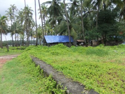 River view property with L-shaped road around in chettuwa