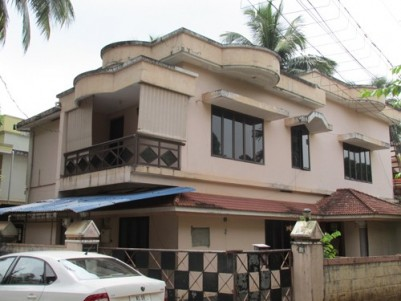 2400 Sq.ft Double storied House for sale at Ayyanthole,Thrissur.
