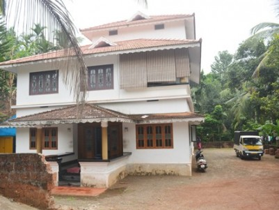 65 Cent Land with 2800 Sq.ft 6 BHK House for sale at Malappuram.