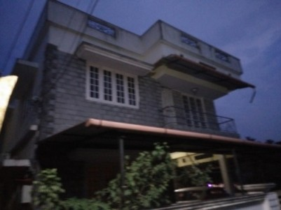 2200 Sqft 4 BHK House on 4 Cents of land for sale at Viyyur,Thissur.