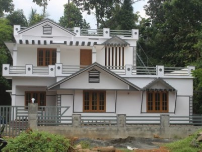 1800 SQ feet 3 bed room house in 7sent