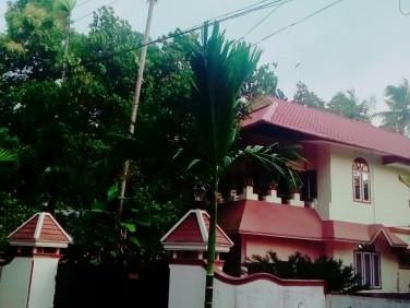 2500 Sq.ft 3 BHK House for sale at Ezhupunna, Alappuzha