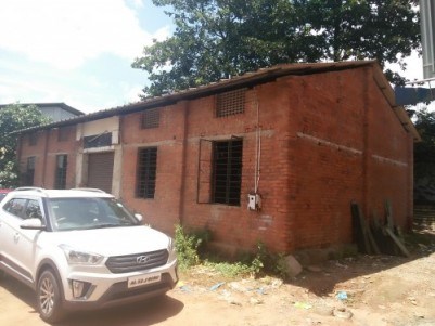 1650 Sqft Commercial space on 9.5 cents of land for sale in Thrissur.