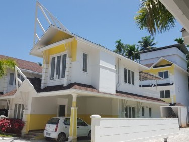 Luxury villa for sale near Lakeshore Hospital, Ernakulam