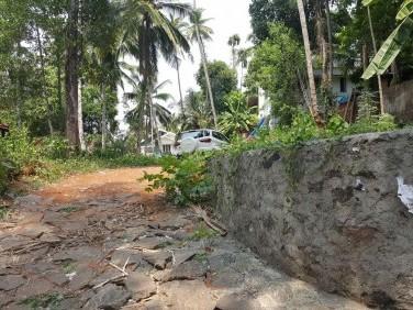 20 cents of Land near Chulliyode Road, Calicut