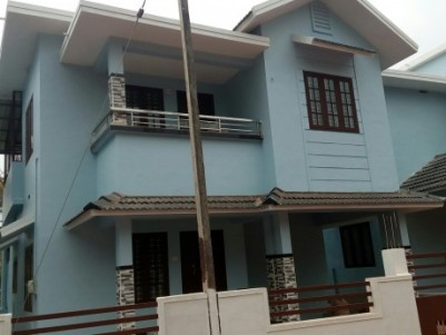 1800 sqft Beautiful new house for sale at Manjeri, Malappuram
