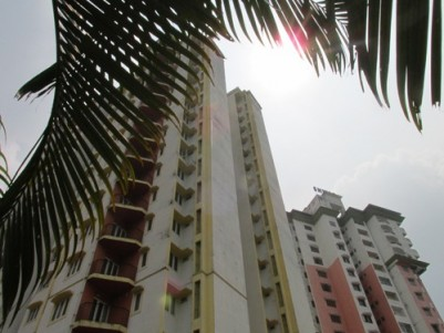 NEW FLAT READY TO OCCUPY FOR SALE AT VYTTILA HUB , ERNAKULAM.
