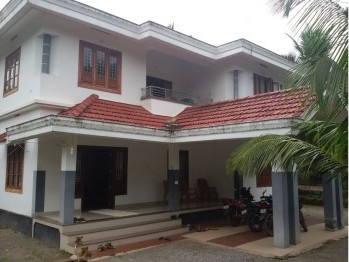 independant  house in wayanad calicut Highway