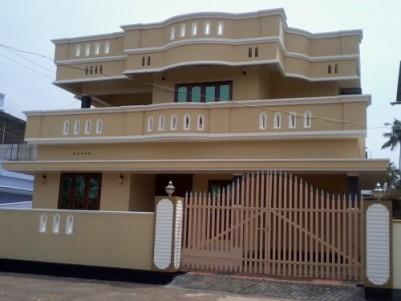 2200 Sqft 3 BHK Luxury villa with 5.5 cent land for sale at Thazhekkad ,Thrissur