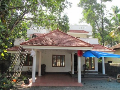 2500 Sqft House on 12 Cents of Land for sale at Perumbavoor,Ernakulam.