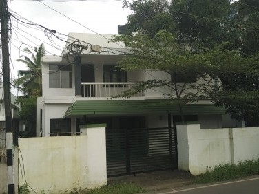 1700 Sqft on 6 Cent 3 BHK 2 Storied House For Sale at Kadavanthra, Ernakulam