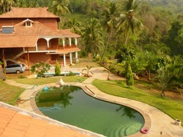 7000 Sqft 3 Storied Contemporary style Bungalow for sale at  Beemanadi,Kasargod.