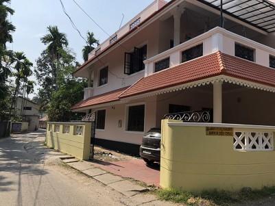 4 BHK Independent Villa For sale - Maradu, Ernakulem