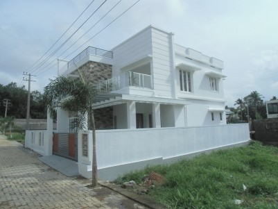 Modern House for sale at Aluva Town, Ernakulam