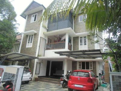 2550 Sq Ft 8 Bed room house for sale at Palarivattom, Ernakulam