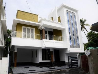 Posh House for sale at Varapuzha, Ernakulam