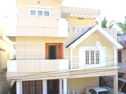 2600 Sq ft 4 BHK House for Sale at Kadavanthra, Ernakulam.