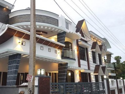 5 BHK New House For Sale At Elamakkara, Ernakulam.