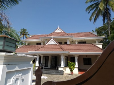2000 Sq Ft 4 BHK Posh House with 21 cents of Land Sale at Thripunithura