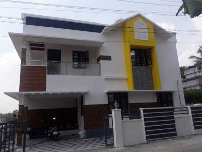 2250 Sq.ft 5BHK House on 4.5 Cents of Land for Sale at Near Infopark, Kakkanad.